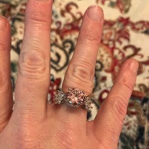 Jewelry - Beautiful Pink Ring
